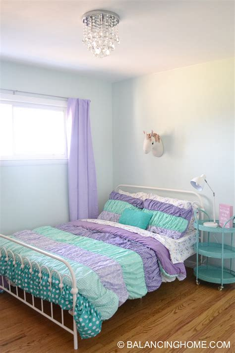 Bedroom Decorating Ideas For Purple Rooms by Small Bedroom Decor Bedroom Decorating Ideas Balancing
