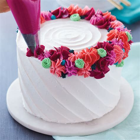 bright flower ring cake wilton