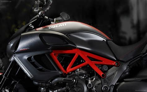 Ducati Diavel 2018 Widescreen Exotic Car Picture 13 Of 39