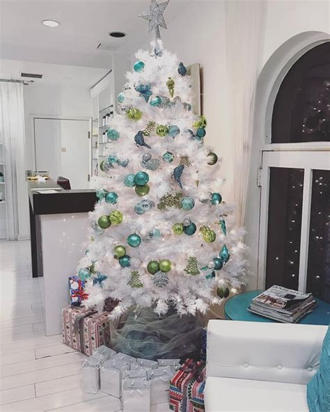 magical white christmas tree decoration ideas