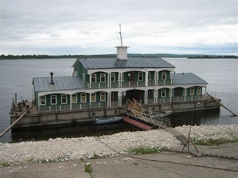 Houseboat Size by File Houseboat Jpg Wikimedia Commons