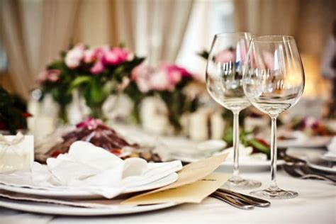 the fine dining guide basic restaurant etiquette one a guide to fine dining etiquette how to recreate the