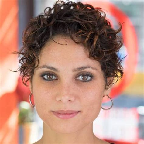 Curly Pixie Cut Hairstyles by 30 Standout Curly And Wavy Pixie Cuts