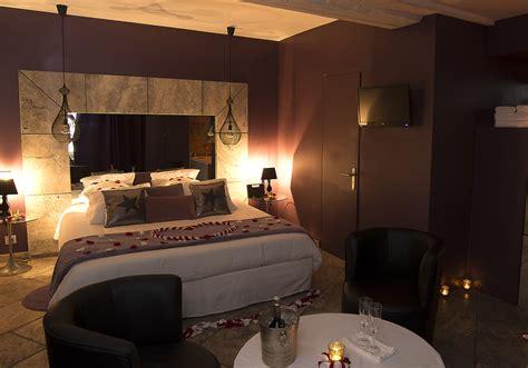 chambre hotel romantique gargouille chambre d 39 hôtel romantique le gourguillon