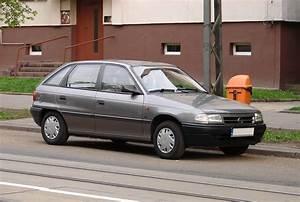 Concessionnaire Opel 93 : file opel astra f 1993 jpg wikimedia commons ~ Gottalentnigeria.com Avis de Voitures