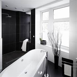 Wie Entfernt Man Schimmel In Der Dusche : schimmel in der dusche in saniertem wohnhaus bild grer anzeigen der schimmel duscht mit tv ~ Frokenaadalensverden.com Haus und Dekorationen
