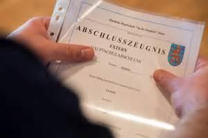 Wie Lange Ist Die Gesetzliche Kündigungsfrist : dokumente ausmisten diese unterlagen k nnen sie entsorgen ~ Lizthompson.info Haus und Dekorationen