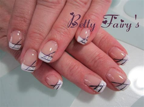 deco ongles blanche