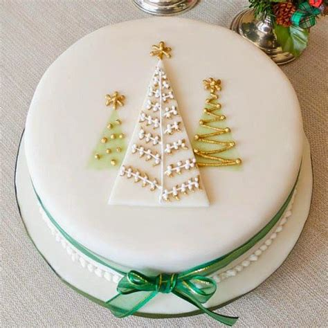 the 25 best ideas about christmas cake designs on