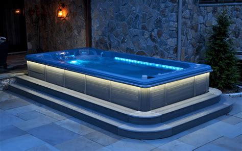Hot Tub : Hot Tubs For Bathing Relaxation