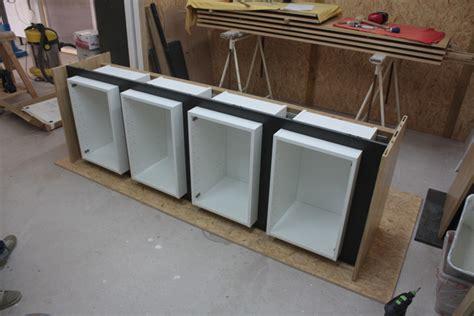 comment fabriquer un caisson de cuisine meuble de cuisine suspendu meuble vitrine suspendu