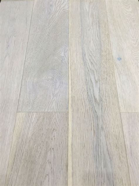 150mm x 14mm Engineered Oak Flooring Brushed & White Oiled