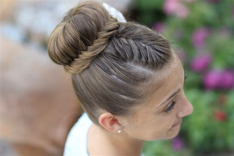 How To Create A Lace Fishtail Bun