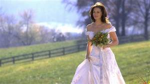 9 movie wedding dresses to inspire your bridal style With runaway bride wedding dress