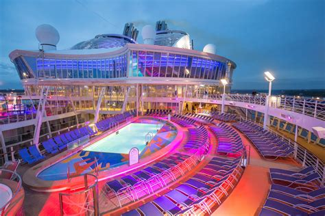 The Deck Nightclub Essington Pa by Well Traveled Cruising Aboard Royal Caribbean