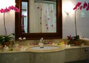 a more creative bathroom simple bathroom decor ideas