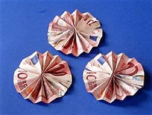 Geld Falten Blume Rose Anleitung : ein geldgeschenk mit blume basteln gestalten ~ Lizthompson.info Haus und Dekorationen