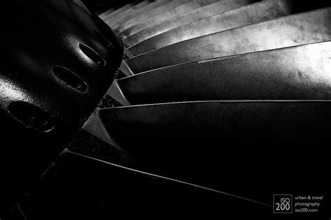 jet blades black  white isocom