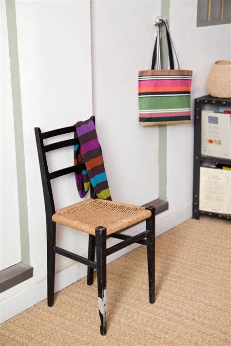 chaise cassée réparer le pied d 39 une chaise cassée diy family