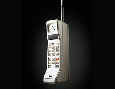 cell phones the evolution of cell phone design between 1983 2012