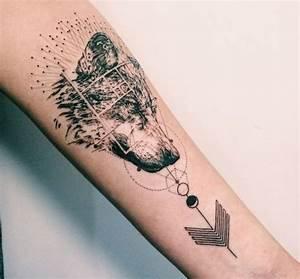 Tatouage Loup Geometrique : best 25 tatouage tete de loup ideas on pinterest tete ~ Melissatoandfro.com Idées de Décoration