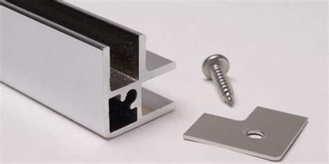 profile aluminium pour vitrine profil angle u9 chrom 233 brillant 2 3m pour verre 8mm ref clp profilu9angle clipper diffusion