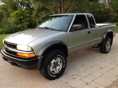 car repair manual download 2001 chevrolet s10 windshield wipe control chevy zr2 s10 4x4 extended cab auto collector owned outstanding condition