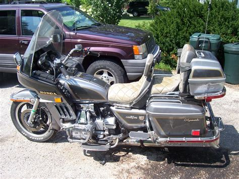 Plain Jane Goldwing Gl1000/1100 ???