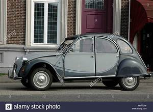 2 Chevaux Citroen : citroen 2cv deux chevaux in attractive dark and light grey colour stock photo royalty free ~ Medecine-chirurgie-esthetiques.com Avis de Voitures