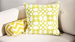 Große Couch Günstig : sofa ideen anmutig gro e sofakissen reinigen wunderbar gro e kissen sofa design couch kissen ~ Markanthonyermac.com Haus und Dekorationen