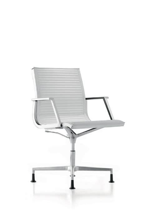 pied de fauteuil de bureau fauteuil bureau nulite pied fixe pivotant en cuir à accoudoirs