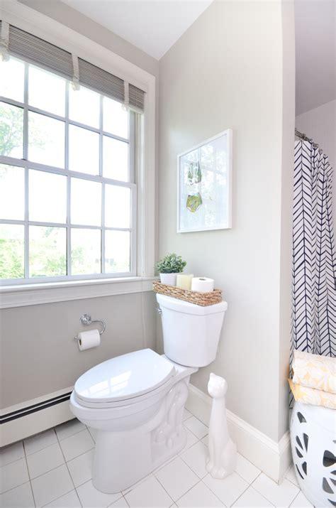 easy tips   clean bathroom  chronicles  home
