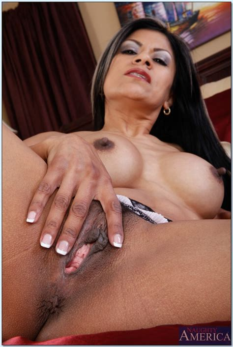 Luscious Latina Milf Gabby Quinteros Denudes Nice Hooters From Lingerie