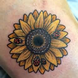 les  meilleures images du tableau tatouage coccinelle sur