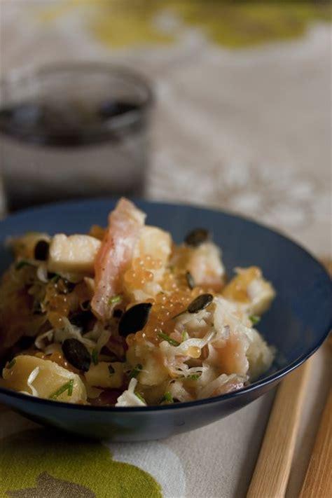 cuisiner la choucroute crue salade de choucroute crue à la truite fumée et oeufs de