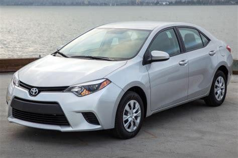 toyota corolla le  sedan review ratings