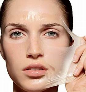 Gelatin face mask with water