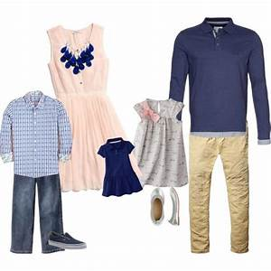 Best 25+ Family photo outfits ideas on Pinterest | Family portraits what to wear Family ...