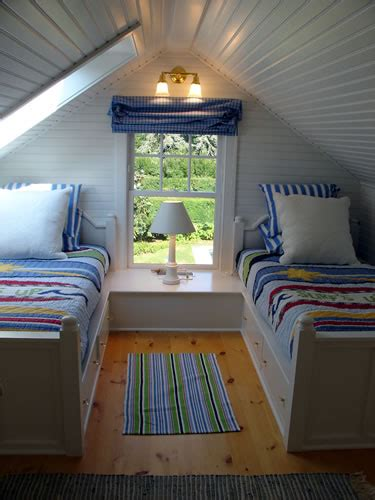 beach house decor beds   joinery  small spaces