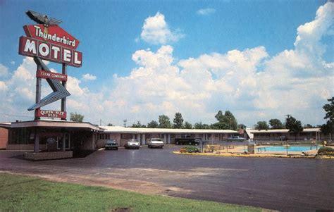 Office Depot Joplin Mo by Best 25 Thunderbird Motel Ideas On Vintage