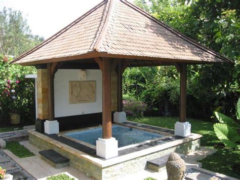 Whirlpool Garten Mit Dach by Feste Konstruktion Mit 220 Berdachung Bietet Entspannte