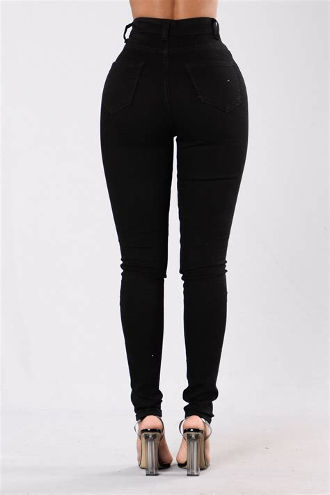 hug  tight jeans black