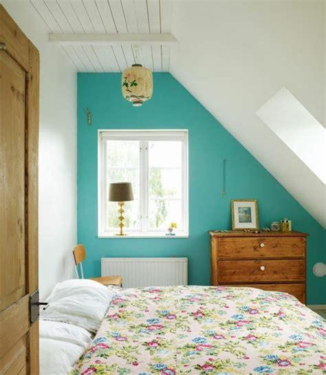 2 couleurs dans une chambre 1001 idées déco de chambre sous pente cocoon