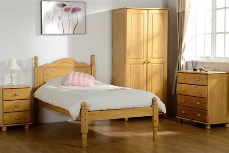 Decorative Pine Bedroom Furniture