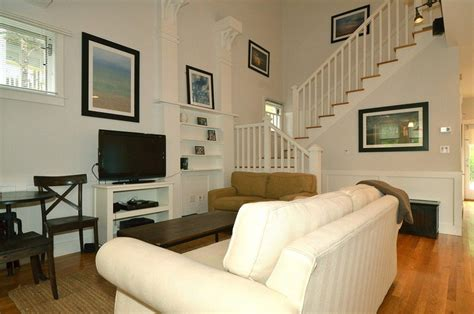 Living Area Mr Cool Breeze Cottage Rental Agency