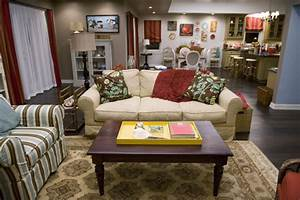 Decorate Your Home In Modern Family Style: Phil And Claire