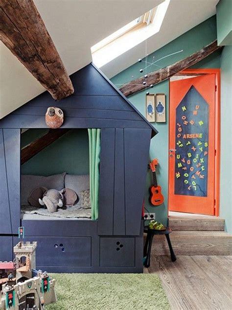 cabane dans une chambre lit cabane dans une chambre d 39 enfant envie 2 deco