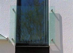 Glasde franzosischer balkon for Französischer balkon mit moderne kunst für den garten