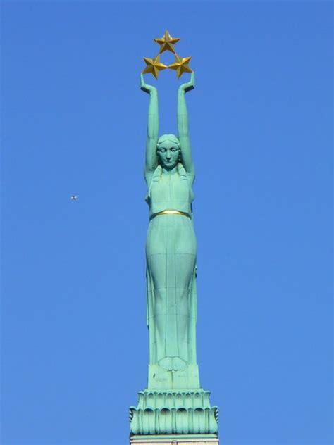 Rīga - Brīvības piemineklis   拉脫維亞 : 里加 - 自由紀念碑 Latvia ...