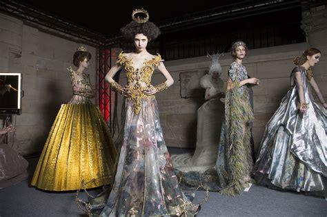 chambre de la haute couture designer guo pei to host haute couture in